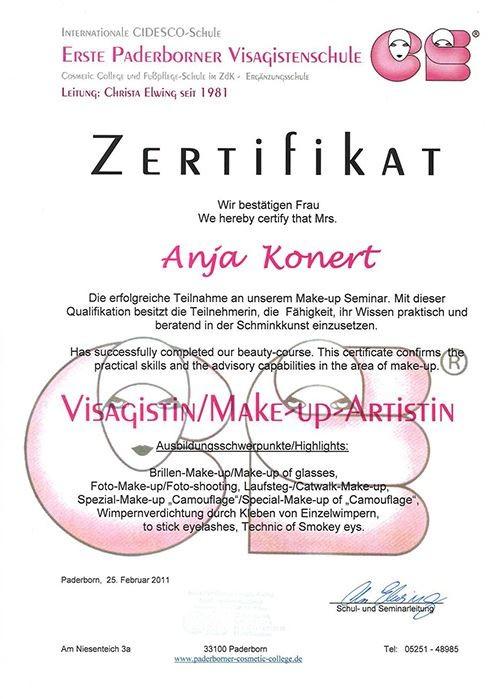 Visagistin/Make-up Artistin